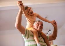Morfadern gör mig lycklig ballerina little Royaltyfria Bilder