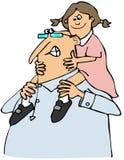 Morfar som ger sondotter en ritt Arkivbilder