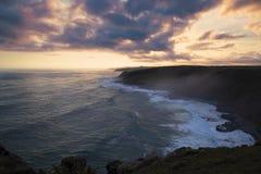 Morgan Bay Cliffs bij Zonsondergang royalty-vrije stock fotografie