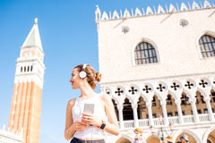 Morgenübung in der alten Stadt von Venedig lizenzfreie stockbilder