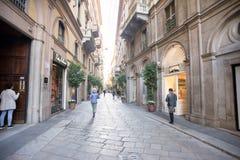 Morgen auf Della Spiga Street in Mailand lizenzfreies stockfoto