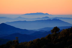 Morgen auf dem Berg Stockfoto