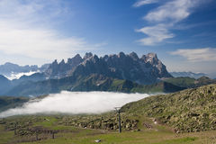 Morgen in den Dolomit stockfotos