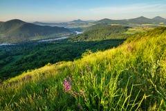 Morgen in den tschechischen zentralen Bergen Stockbild