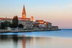 Morgen durch das Meer in Porec, Kroatien lizenzfreie stockfotografie