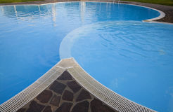 Morgen durch das Pool lizenzfreies stockbild