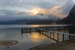 Morgen durch den See Stockbilder
