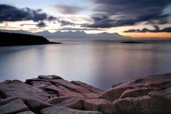 Morgen entlang der Seeküste Stockbilder
