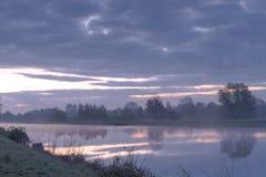 Morgen f.m. Hunte flod Arkivbild