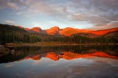 Morgen-Glühen auf Sprague Lake Lizenzfreie Stockfotografie