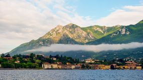 Morgen in Lecco, Italien stockbilder