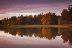 Morgen-Leuchte im Herbst Lizenzfreies Stockfoto