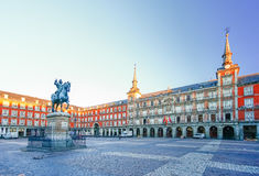 Morgen-Licht an Piazza-Bürgermeister in Madrid, Spanien Stockfotos