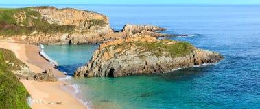 Morgen sandiger Mexota-Strand Asturien, Spanien Lizenzfreie Stockbilder