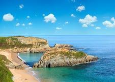 Morgen sandiger Mexota-Strand Asturien, Spanien Lizenzfreie Stockfotos