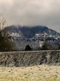 Morgen-Schnee am Leuchtfeuer-Felsen-Golfplatz in Nord-Bonneville, Washington US lizenzfreie stockfotos
