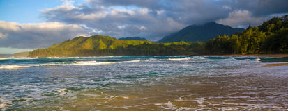 Morgen seafoam, wainiha Strand stockfotografie