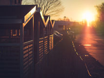 Morgen Sun auf Fahrradaufbewahrungs-Hallen in Lund, Schweden Stockfoto