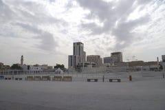 Morgenbild des leeren Platzes nahe zu einem souk, das immer eine touristische Anziehungskraft in den arabischen Ländern ist lizenzfreie stockbilder