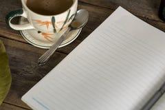 Morgenkaffee Buch-Tagebuch 2 lizenzfreie stockfotos
