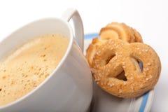 Morgenkaffee mit Plätzchen Lizenzfreies Stockfoto