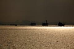 Morgenleuchte an einem Hafen Stockfoto