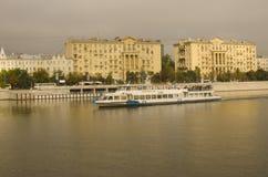 Morgenreise, Moskva-Fluss, Moskau, Russland Stockbilder