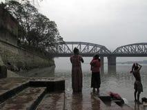 Morgenritual auf dem Hoogly-Fluss in Kolkata Stockfotografie