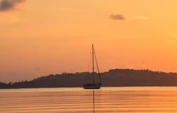 Morgens segeln stockbild