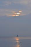 Morgens segeln stockfoto