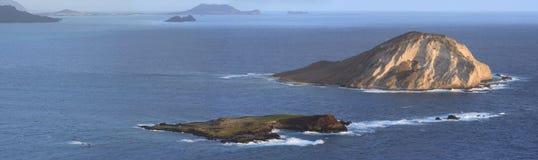 Morgensonnenschein auf kleinen Inseln im Pazifischen Ozean Lizenzfreies Stockbild