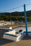 Morgenspaziergang auf dem Strand bei Garraf. Barcelona, Spanien. Lizenzfreie Stockfotos