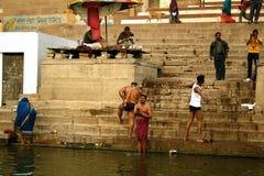 Morgenszene in dem Ganges-Fluss Lizenzfreie Stockfotos