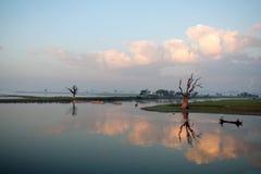 Morgon i Amarapura, Myanmar Royaltyfri Fotografi