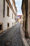Morgon i gammal stad utan folk. Prague. Royaltyfri Bild