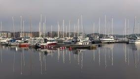 Morgon i hamnen av den finlandssvenska staden av Lappeenranta, Finland arkivfilmer