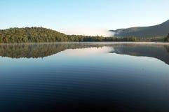 Morgon lake Royaltyfri Bild