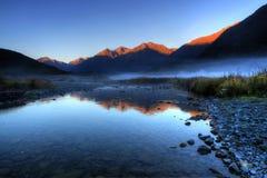 Morgon på bergfloden Royaltyfria Bilder