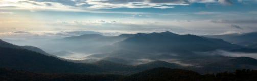 Morgon på den blåa Ridge Parkway Arkivfoton