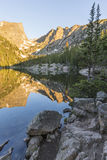 Morgon på den dröm- sjön royaltyfri fotografi