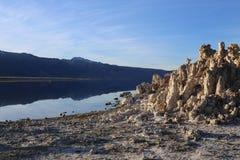 Morgon på den mono sjön, Kalifornien royaltyfri foto