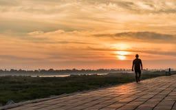 Morgon på en parkera nära den Khong floden i det Bueng Kan området, Th Arkivfoton