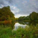 Morgon på floden Royaltyfri Bild