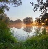 Morgon på floden Royaltyfri Foto