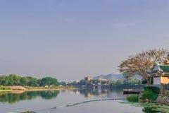 Morgon på floden Kwai, Kanchanaburi Arkivbilder