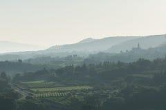 Morgondimma på Luberonen Royaltyfri Fotografi