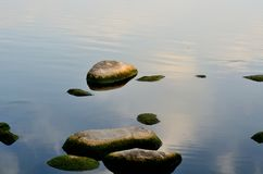 Morgonen av den östliga sjön - sten royaltyfri bild