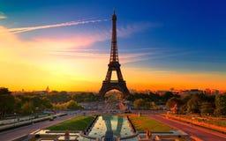 Morgongryning i Paris Arkivbilder