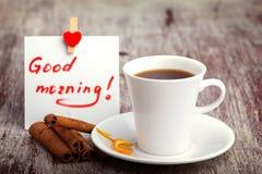 Morgonkaffe med förälskelse Arkivfoto