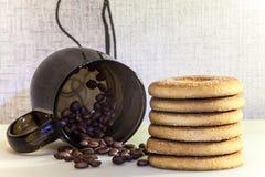 Morgonkaffe och kakor Fotografering för Bildbyråer